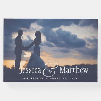 Livro de hóspedes moderno do casamento da foto