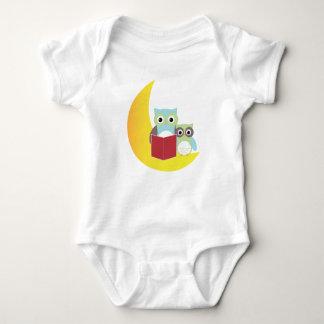 Livro de leitura das corujas da roupa do bebê da body para bebê