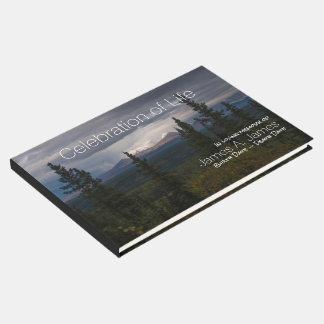 Livro De Visitas Memorial iluminado da fotografia das montanhas