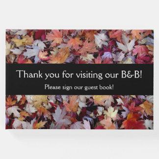 """Livro De Visitas """"Obrigado visitando nosso B&B!"""" + Folhas de outono"""