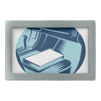 Livro no Woodcut do Oval do banco de carro