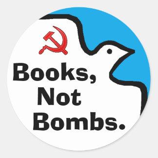 """""""Livros, não bombas."""" Etiquetas Adesivo"""
