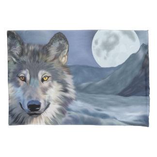 Lobo bonito da cena do inverno