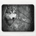 Lobo cinzento - preto e branco mousepads