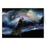 Lobo que urra na lua cartao