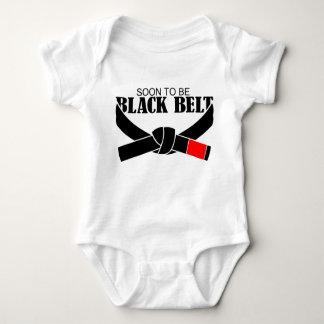 Logo para ser cinturão negro!!! tshirts