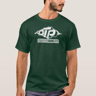 Logotipo branco do DTP no t-shirt preto