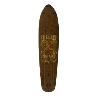 Logotipo de aço oxidado com rebites shape de skate 18,4cm
