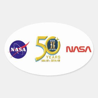 Logotipo do aniversário dos Gêmeos 50th Adesivos Oval