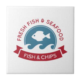 Logotipo do marisco do peixe com batatas fritas azulejo quadrado pequeno