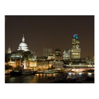 Londres, Inglaterra no cartão da noite