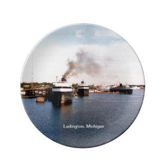 Louça De Jantar O carro/trilho de Ludington Ferries a placa