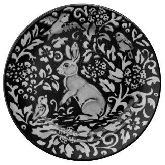 Louça De Jantar Placa floral da porcelana do coelho preto, branco,