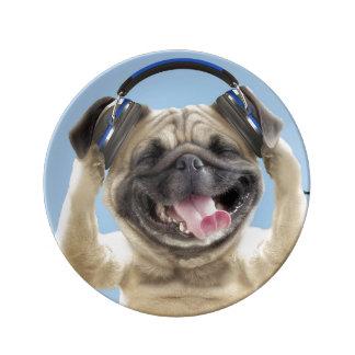 Louça De Jantar Pug com fones de ouvido, pug, animal de estimação