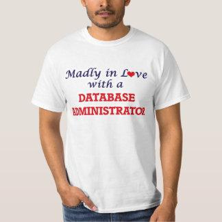 Louca no amor com um administrador de base de camiseta