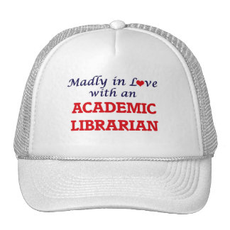 Louca no amor com um bibliotecário académico boné
