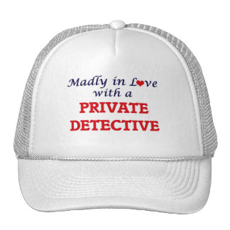 Louca no amor com um detetive privado boné