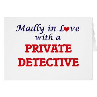 Louca no amor com um detetive privado cartão comemorativo