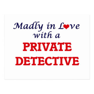 Louca no amor com um detetive privado cartão postal