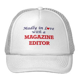 Louca no amor com um editor de revistas boné