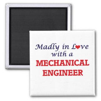 Louca no amor com um engenheiro mecânico ímã quadrado