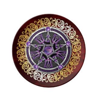 Louça O ritual medieval vermelho da feitiçaria do rubi