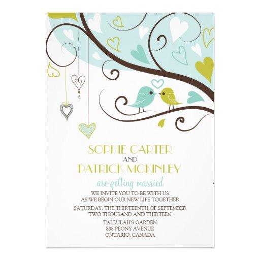 Lovebirds azuis e verdes que Wedding o convite