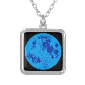Lua azul colar banhado a prata