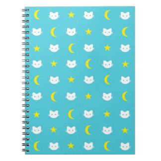Lua do gato do gatinho e caderno das estrelas