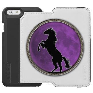 Lua do roxo do cavalo selvagem