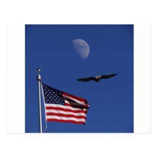 Lua Eagle da bandeira Cartão Postal