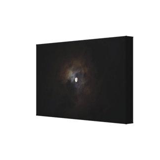 Lua nebulosa da noite