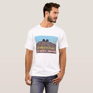 Lua sobre a camiseta de Moab Utá das máquinas