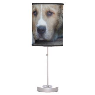 Luminária De Mesa Cão de pastor asiático central