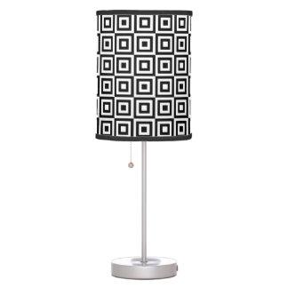 Luminária De Mesa Quadrados geométricos preto e branco