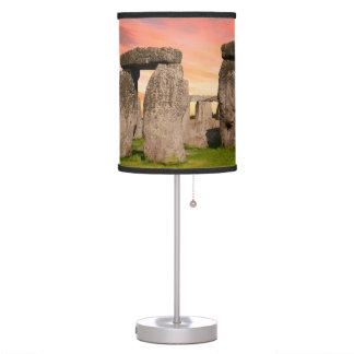Luminária De Mesa Stonehenge na lâmpada do por do sol