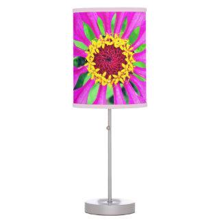 Luminária Flor roxa brilhante