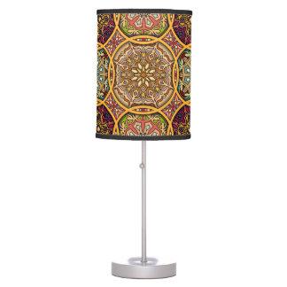 Luminária Retalhos do vintage com elementos florais da