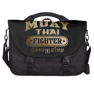 Lutador tailandês de Muay do ouro Bolsas Para Notebook