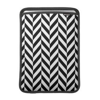 Luva de ar moderna preta & branca de Chevron Bolsa De MacBook Air