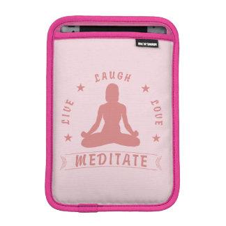 Luva Para iPad Mini O amor vivo do riso Meditate texto fêmea (o rosa)