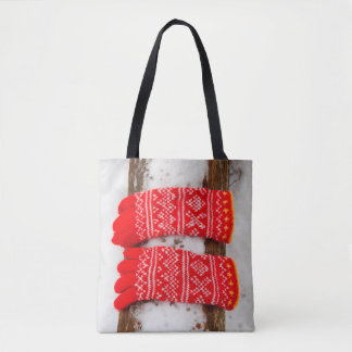 Luvas feitas malha vermelho na neve bolsa tote