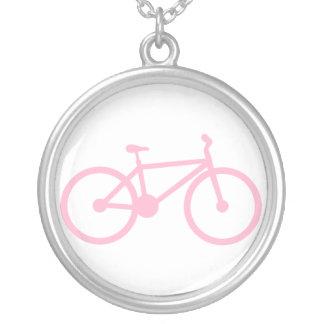 Luz - bicicleta cor-de-rosa colares