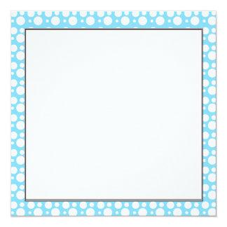 luz - pontos azuis, uma decoração simples, convites personalizados