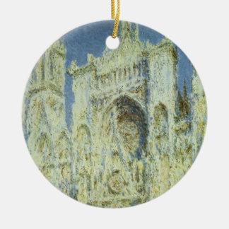 Luz solar ocidental da fachada da catedral de ornamento de cerâmica redondo