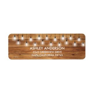 Luzes rústicas simples da madeira do casamento etiqueta endereço de retorno