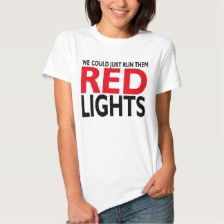 Luzes vermelhas t-shirts