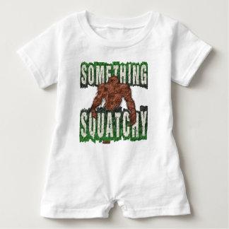 Macacão Para Bebê Algo Squatchy