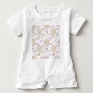 Macacão Para Bebê Amarelo e cinza do balão de ar quente do vintage