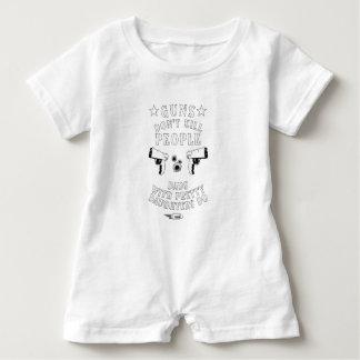 Macacão Para Bebê As armas não matam pessoas…